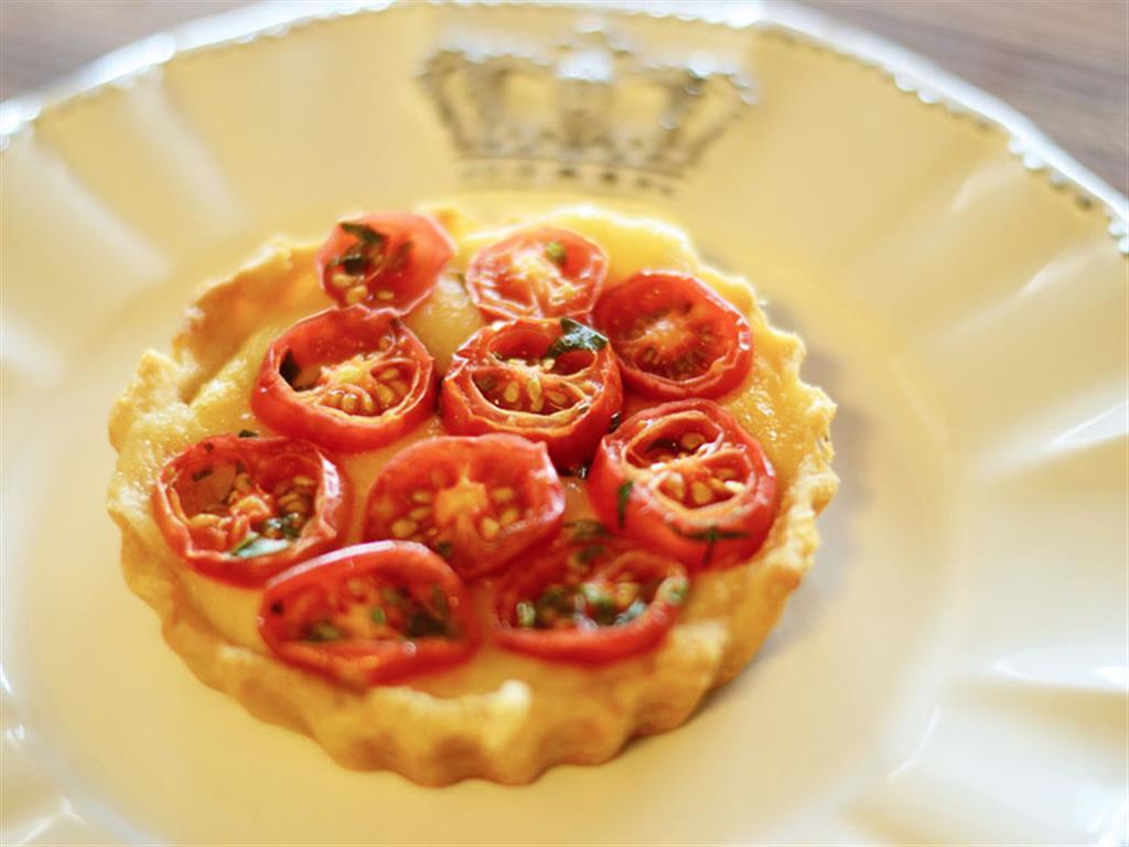 Quiche aos quatro queijos com tomate cereja - 5450